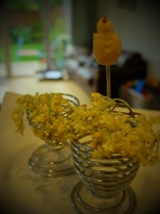 crystallised elderflowers