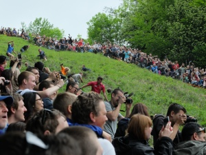cooper's hill cheese-rolling