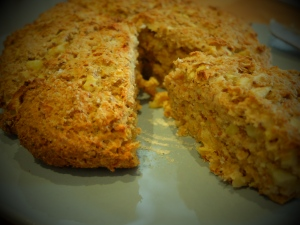 cheddar and apple scone bread